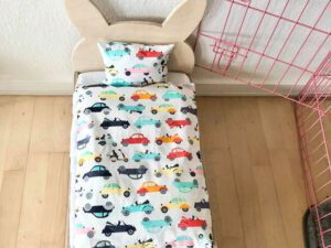 Kaninchenbett mit Autobett Kleidung